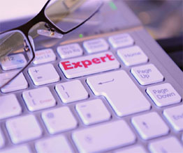 Computer keyword with the word Expert written on a key