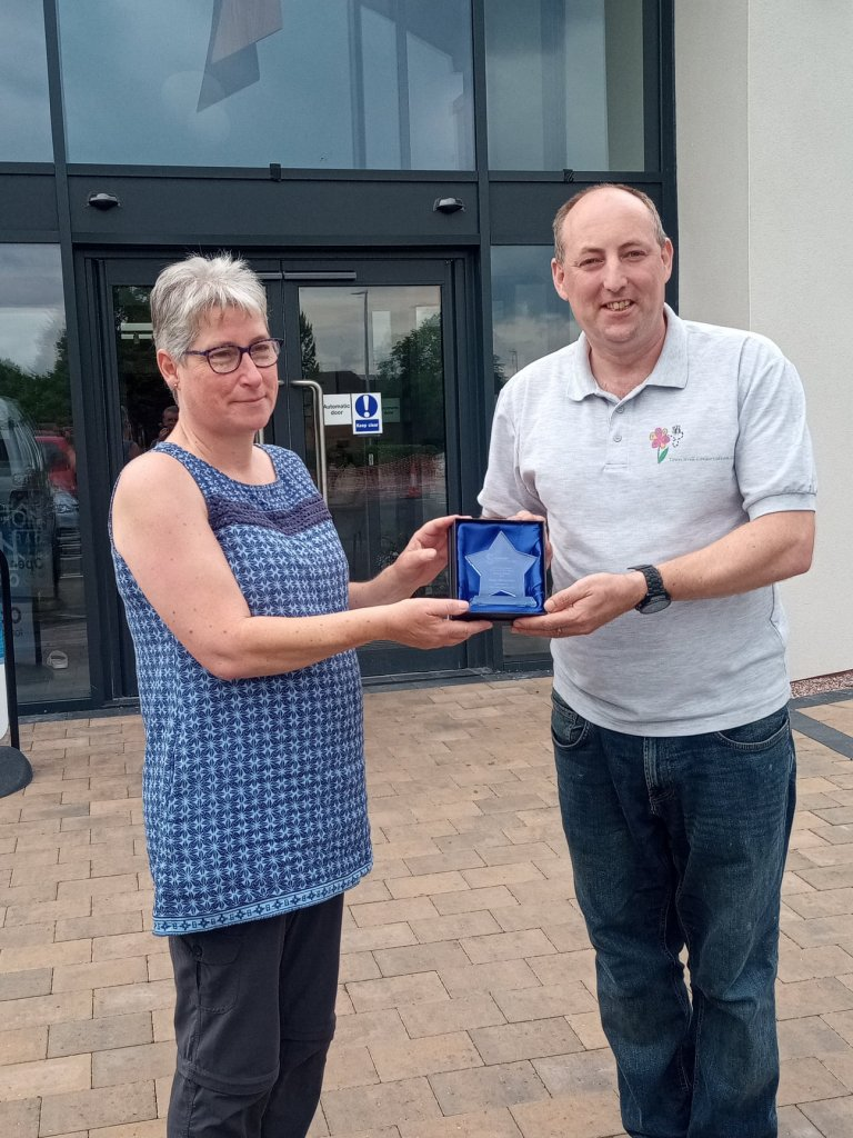 <strong>2021 WINNER of the Tamworth Volunteering Support for the Over 65's Award </strong>sponsored by Communities Together CIC, presented by Lee Bates.